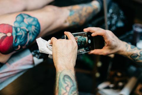 Fotografía tatuaje ficha