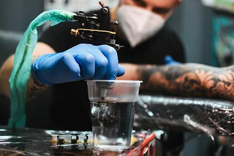 Técnicas aplicadas al tatuaje completo ficha